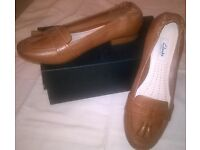 Clarks tan leather loafers