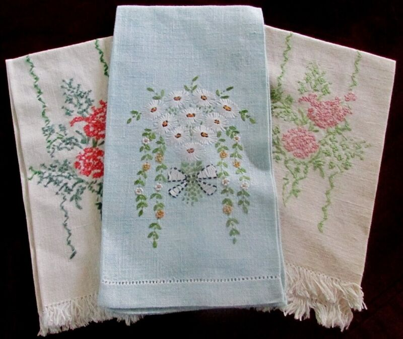 3 ANTIQUE VINTAGE FLORAL EMBROIDERED LINEN HAND BATH TOWELS EXCELLENT CONDITIION