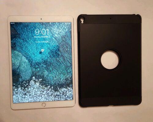 Apple iPad Pro 2nd Gen. 64GB, Wi-Fi + Cellular (Unlocked), 10.5in - Silver