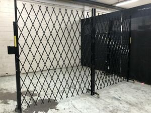 Mobile trackless expendable barriers trellis security doors