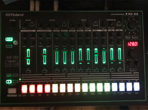 Roland TR-8 Drum Machine Epping Ryde Area Preview