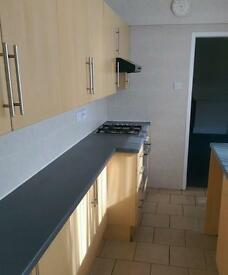 One bedroom un furnished flat to let Lincoln centre