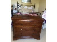 SOLID MAHOGANY CHEST OF DRAWERS