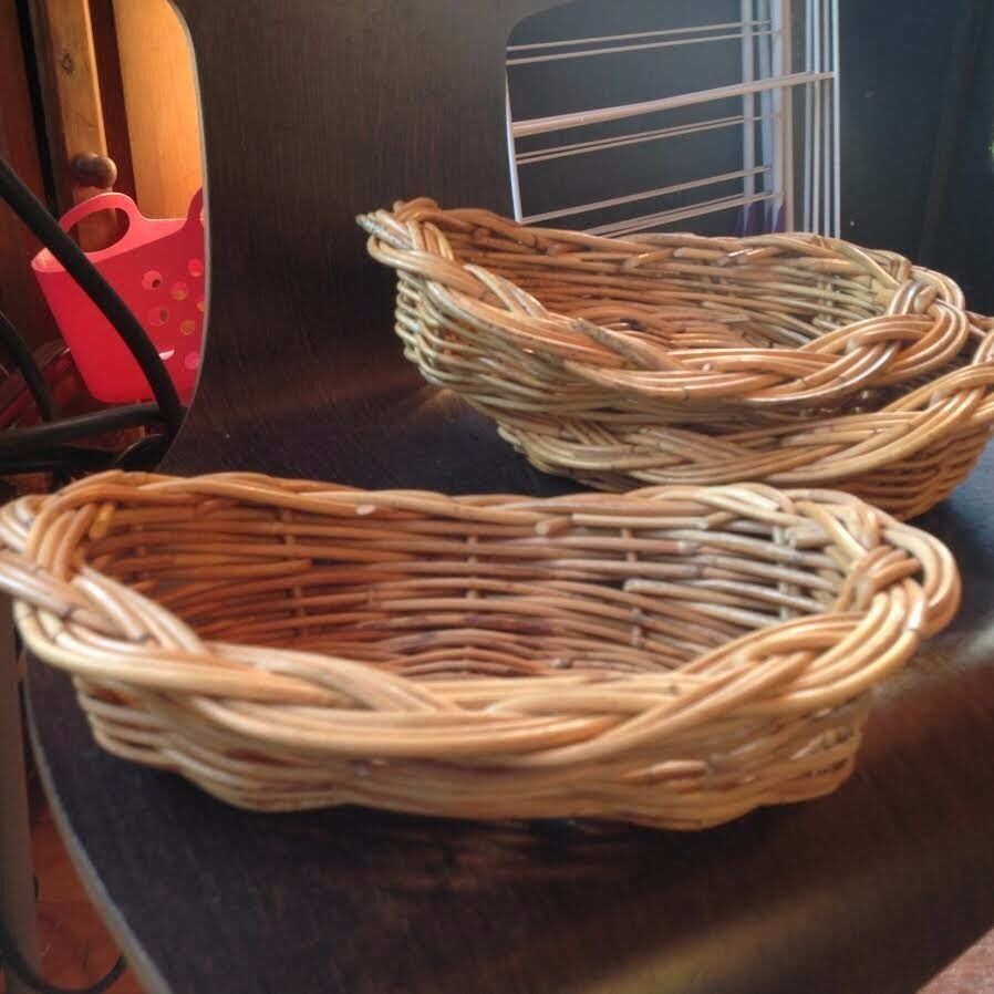 baskets bread / cutlery