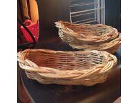 baskets bread / cutlery
