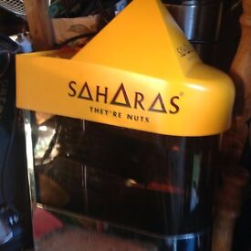 Sahara nut machine