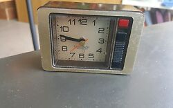 Vtg Westclox Quartzmatic Travel Alarm Clock Woodgrain takes 1AA Battery