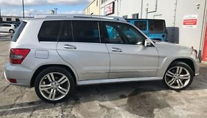 2012 Mercedes GLK 350 LOW KMS! & brand new winters and rims