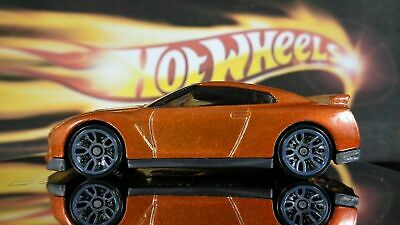 2017 Hot Wheels #282 Nightburnerz 1of10 '17 Nissan Skyline GT-R (R35) Orange