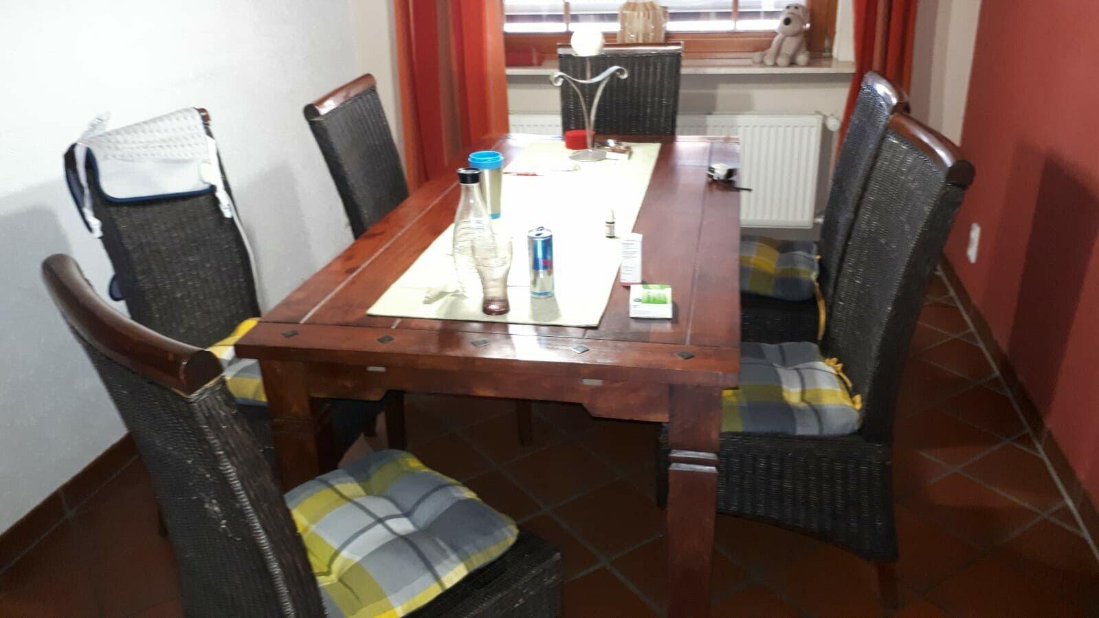 Esstisch - Massivholz - Tisch + 6 Stühle + Verlängerung 1