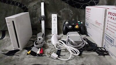 Original Nintendo Wii W/5,000+ retro games Loaded on 16 GB SD card, RVL-001