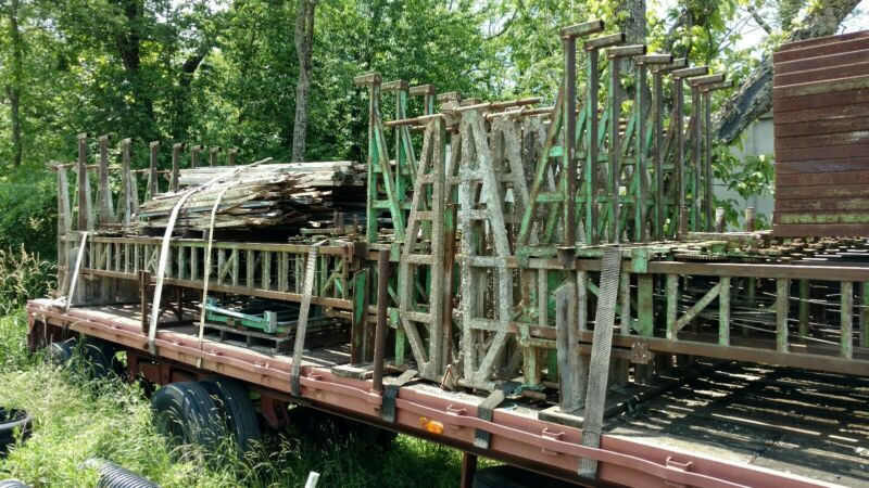 Scaffolding, used Non Stop