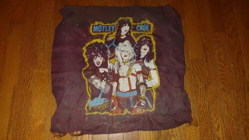 """RARE 1983 MOTLEY CRUE SHOUT AT THE DEVIL TAPESTRY BANDANA 21""""X21"""" NOT TO BE SEEN"""