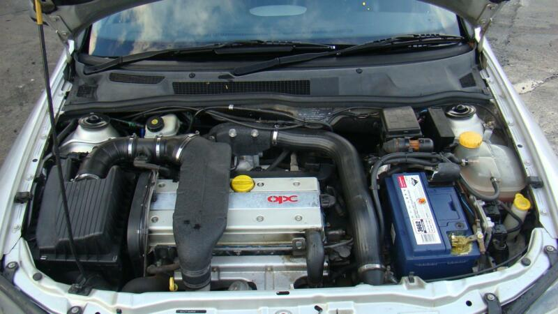 holden astra fuse box in engine bay, ts 2 0ltr turbo petrol manual  09/98-10/06