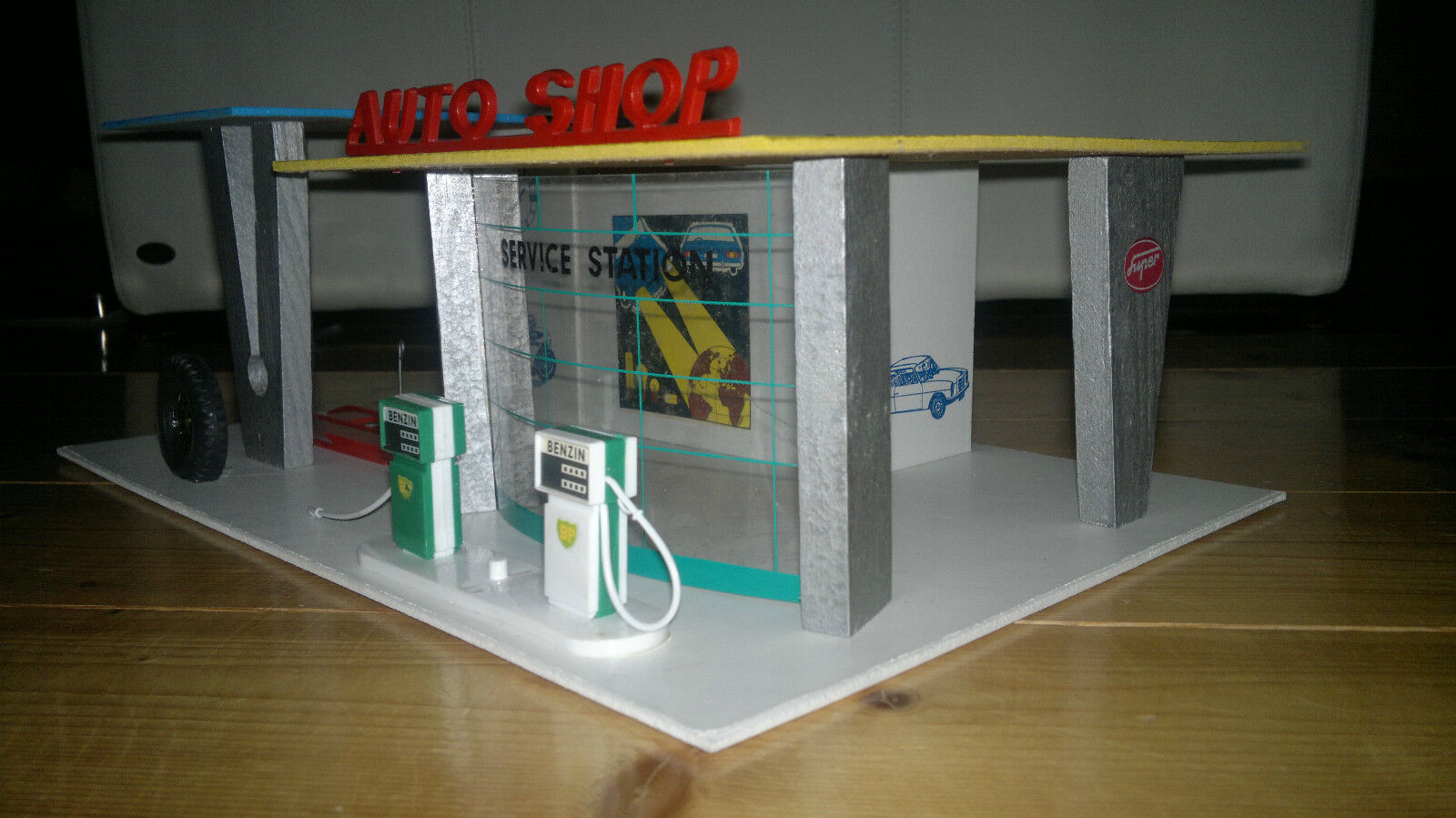 vero auto shop garage mit tankstelle holz spielzeug ddr export chf picclick ch. Black Bedroom Furniture Sets. Home Design Ideas