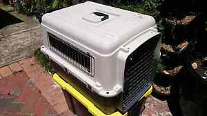 Travel pet carrier cage crate Brunswick Moreland Area Preview