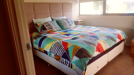 King size bed with separate bedhead in great condition