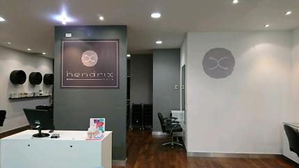 Freelance hairdressers, makeup artist wanted!