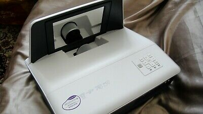 BenQ MX712UST DLP digital projector