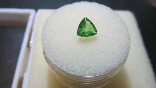 TSAVORITE GREEN GARNET~Genuine Gemstone 6mm TRILLION Faceted Cut Loose Sweet Gem