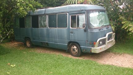 Toyota 91 coaster bus motor home   12,000 ono