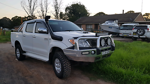 Toyota hilux sr5 2008 dual cab auto Horningsea Park Liverpool Area Preview