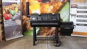 HARK TEXAS PRO-PIT OFF-SET SMOKER BONUS COVER & WOOD CHUNKS Browns Plains Logan Area Preview