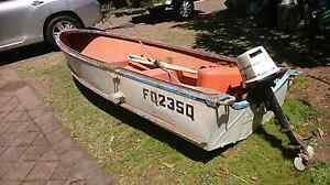 12 foot Dehavaland heavy aluminium dinghy and small Johnson motor Holland Park Brisbane South West Preview