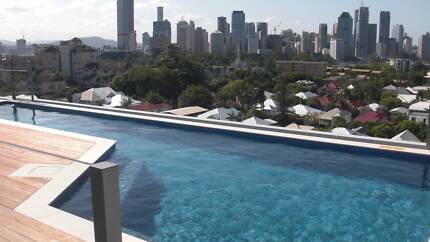 Room in stunning brand new apartment Amazing views & Roottop pool