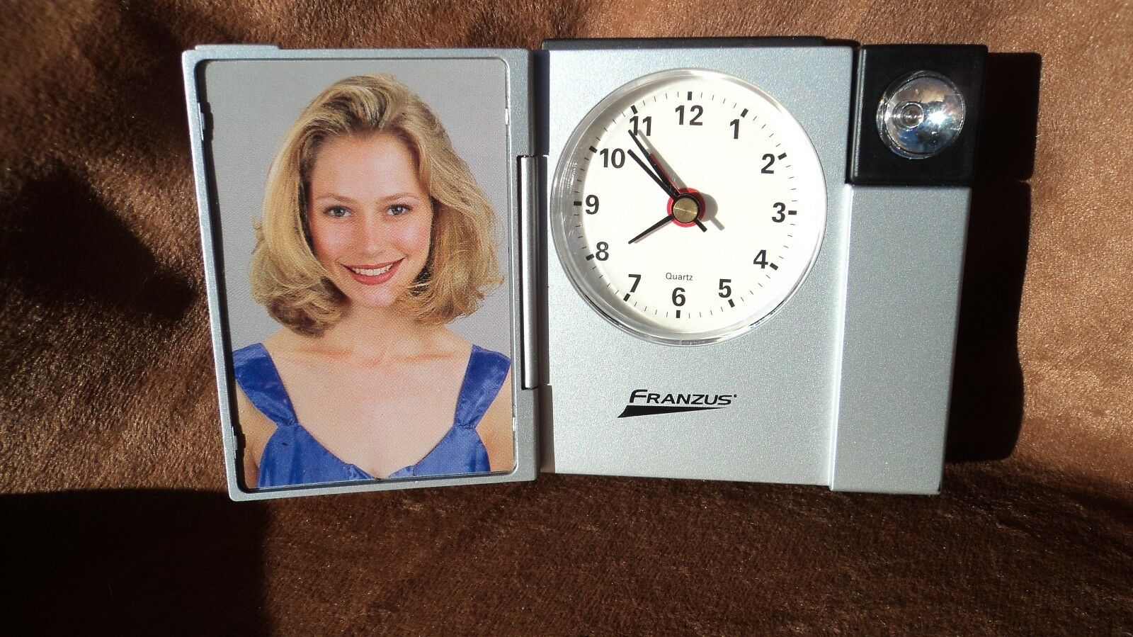 Franzus PS-407AC Alarm Clock W/Picture Frame And Flashlight
