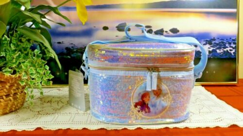 NWT - DISNEY STORE  ANNA & ELSA LUNCH BOX - TOTE - FROZEN 2 - INSULATED