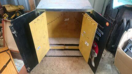 Key safe storage
