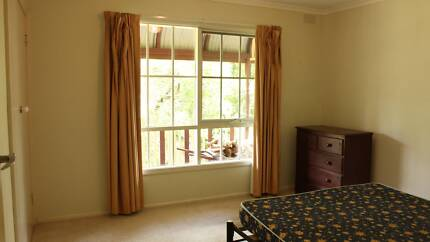 Large furnished room for rent in Upper Ferntree Gully.