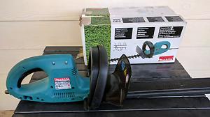 Makita 48cm 240v electric hedge trimmer Karama Darwin City Preview