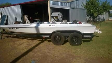 Ski Boat Open Runabout