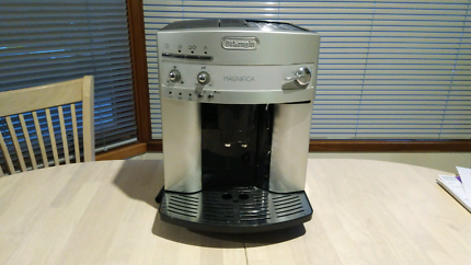 Coffee Machine - De Longhi Magnifica