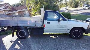 1989 Toyota Hilux Ute Parkwood Gold Coast City Preview