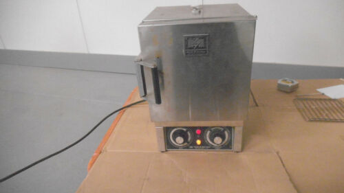 Blue M Stabil-Therm gravity oven model OV-8A, 120V, 38 to 260 C, 525 watts, used