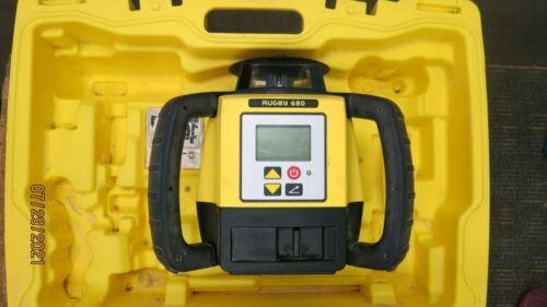 LEICA RUGBY 680 ROTATING LASER LEVEL WITH CASE