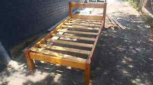 Timber single bed frame Mansfield Mansfield Area Preview