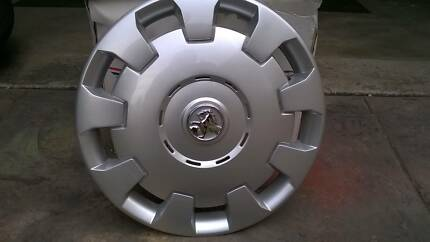 Holden Astra Wheels, Hubcaps and wheel bolts in new condition