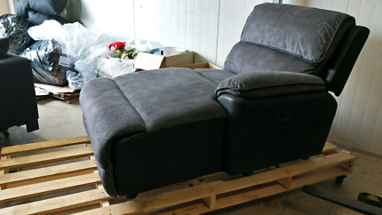 Bourbon Recliner Chaise - Nearly Perfect