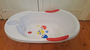 Baby bath (white) Bairnsdale East Gippsland Preview