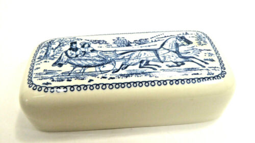 VTG. CURRIER & IVES COVERED BUTTER DISH Horse Drawn Sleigh Carriage BLUE /White