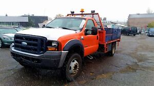 FORD F-450 DIESEL EXTRA LOW KILOMETERS DULLY
