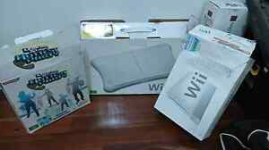 Nintendo wii with 2 controllers and heaps of extras Kurralta Park West Torrens Area Preview