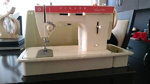 Singer fashion mate Sewing machine Mandurah Mandurah Area Preview