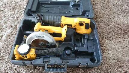 Dewalt circular and free saw with totch Mareeba Tablelands Preview
