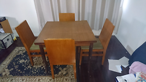 Give Away Dining Table Pick up only Ferny Hills Brisbane North West Preview