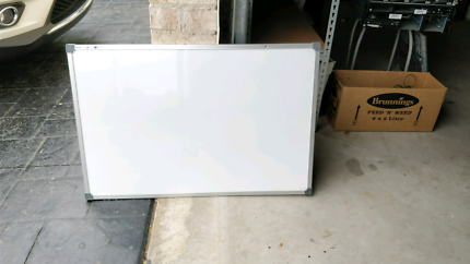 magnetic white board 90 x 60 cm